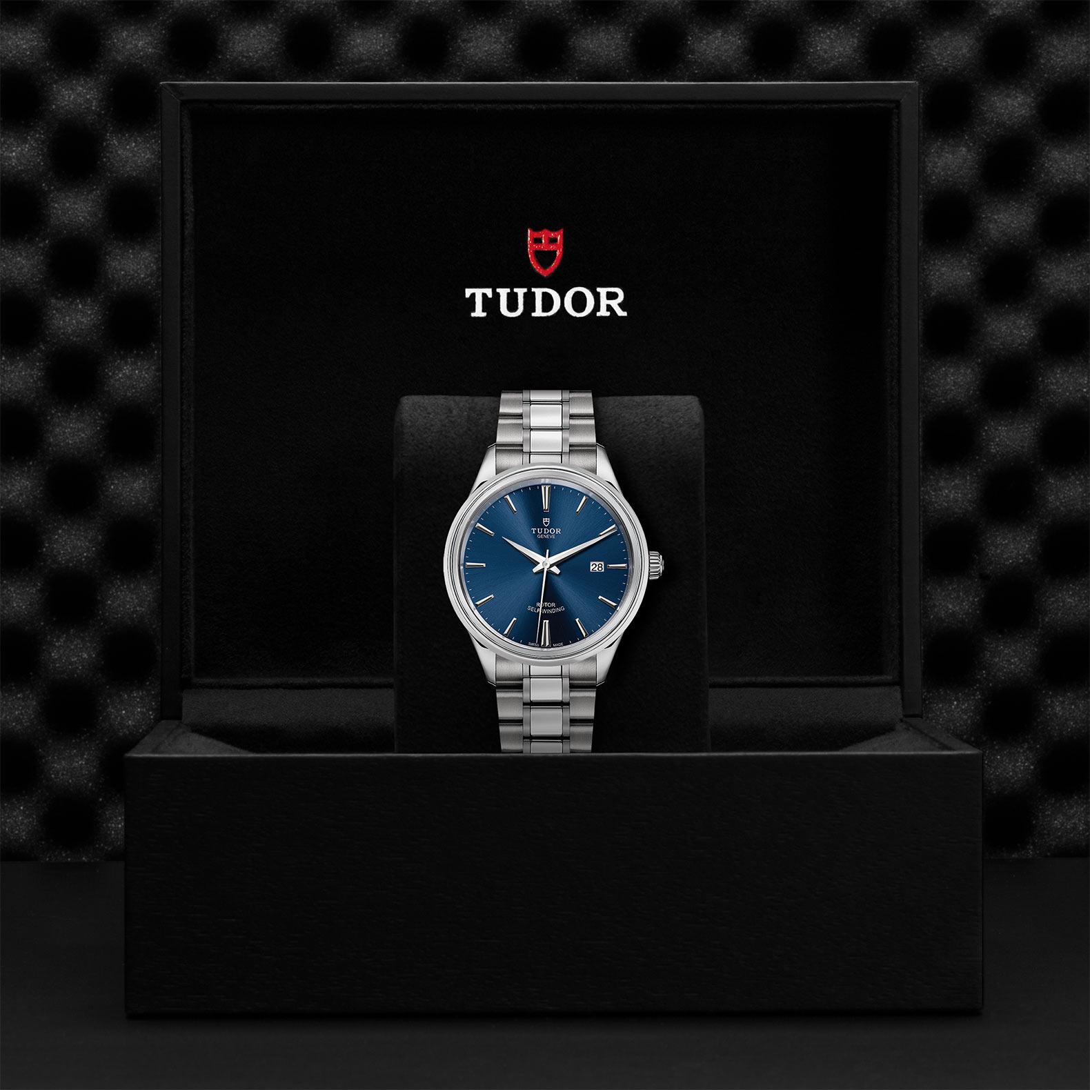 Tudor_M12700-0009
