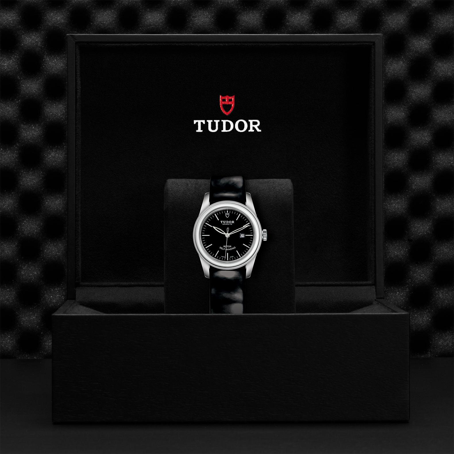 Tudor_M53000-0039