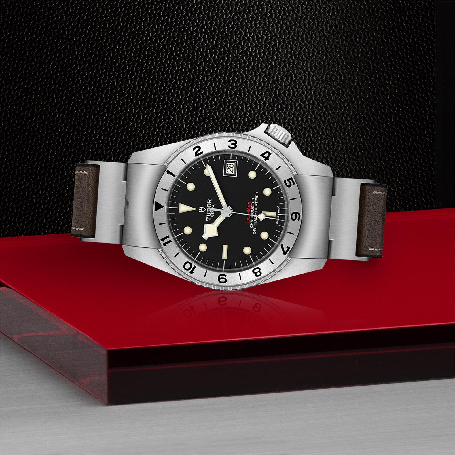 Tudor_M70150-0001